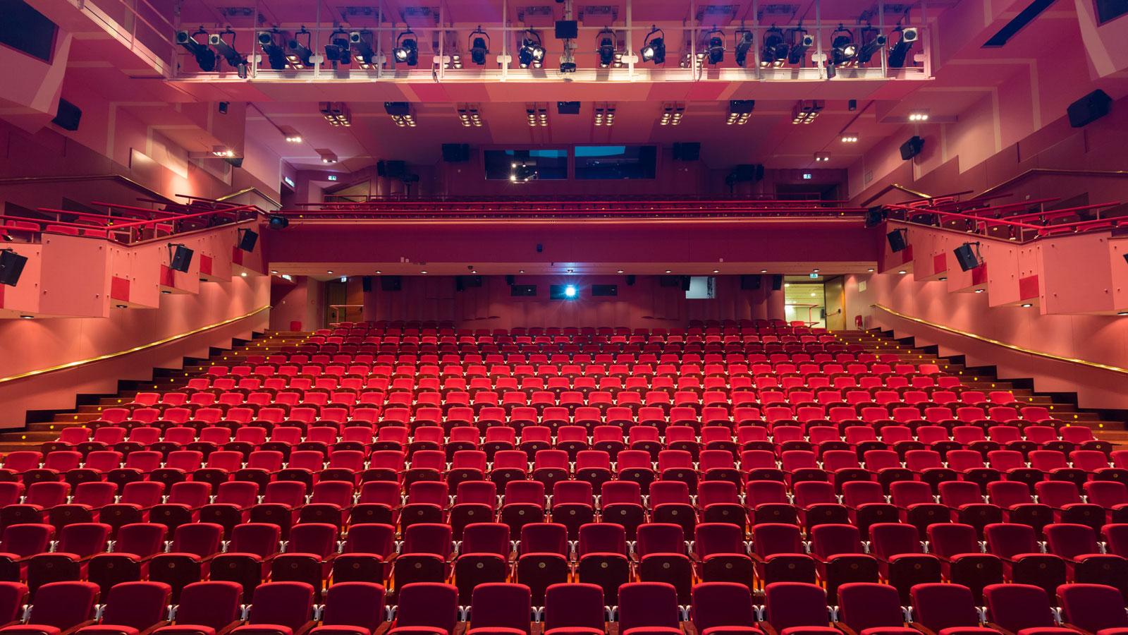 empty-concert-hall-16x9